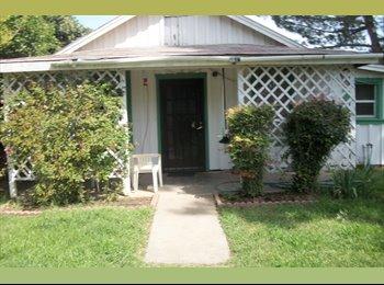 EasyRoommate US - lg1 bedroom quest house - Redding, Northern California - $600 pcm