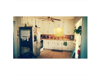 EasyRoommate US - Searching for Someone to Fill the Void - Imperial Beach, San Diego - $800 pcm