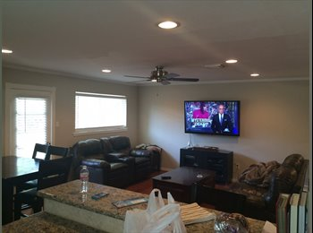 EasyRoommate US - Bedroom in 1 story home - Greater Heights, Houston - $850 pcm