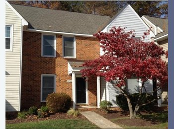 EasyRoommate US - Beautiful townhome 5 minutes from Short Pump! - Richmond West End, Richmond - $950 pcm