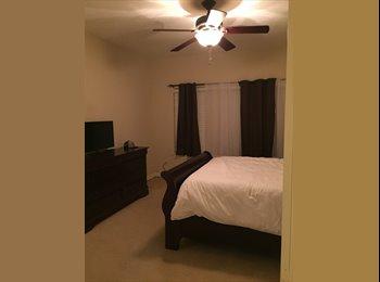 EasyRoommate US - massive master room (energy corridor) - South / SW Houston, Houston - $700 pcm