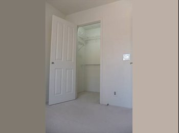 EasyRoommate US - $800 Central Irvine: Room in townhouse - Irvine, Orange County - $800 pcm