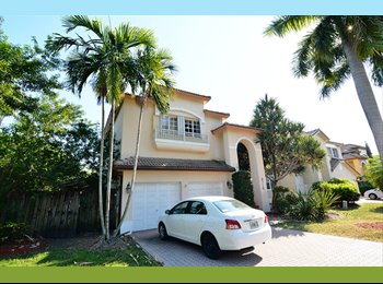 EasyRoommate US - ^Private Executive Residence^ - Doral, Miami - $1,500 pcm