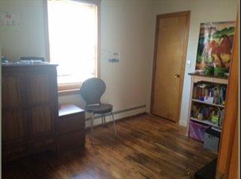 nice room in family home salem/peabody