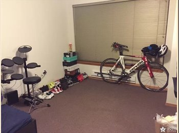 EasyRoommate US - A big studio for subleasing in UW campus  - University District, Seattle - $785 pcm