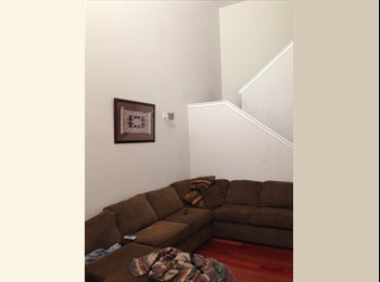 EasyRoommate US - Room in Townhouse within Gated Community - Central Phoenix, Phoenix - $600 pcm