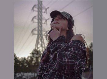 EasyRoommate US - Cassidy - 21 - Lakewood