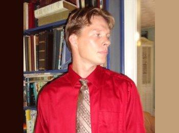 Jesse - 28 - Student