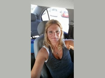 EasyRoommate US - Robyn - 50 - Orange County