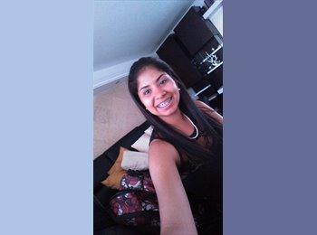 Daniella  - 24 - Estudiante