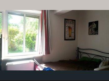 EasyWG AT - Zimmer in Studenten WG nahe TU, direkt an BIM - Innenstadt, Graz - 282 € pm