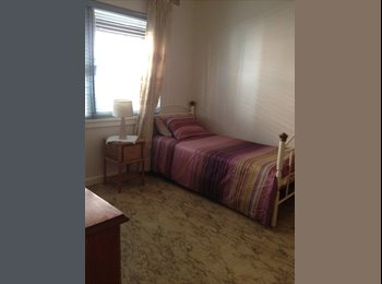 EasyRoommate AU - NICE AND CLEAN ROOM FOR RENT!! NEGOTIABLE - Brighton-Le-Sands, Sydney - $240 pw