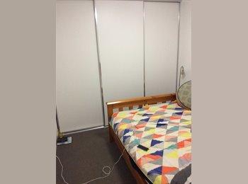 EasyRoommate AU - modern apartment - Prahran, Melbourne - $300 pw