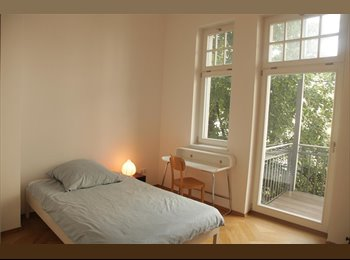 EasyWG DE - Furnished 14m² room in large apartment (Schwabing) - Schwbing West, München - 550 € pm