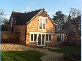 EasyRoommate UK - The Coach House, Henwick - Newbury, Newbury - £1,500 pcm