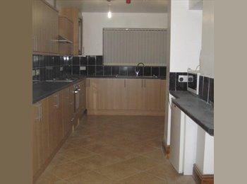 EasyRoommate UK - semi detached/near town center/local amenities - Rhosnesni, Wrexham - £390 pcm