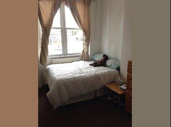 Huge Double room in Camden Town