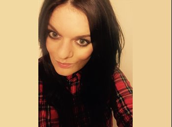EasyRoommate UK - Amanda - 29 - Bradford
