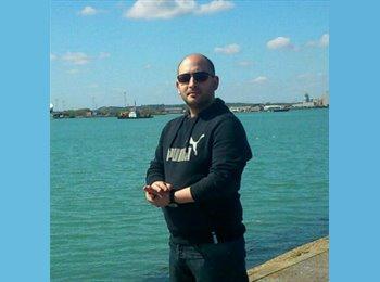 EasyRoommate UK - Peter - 27 - Southampton