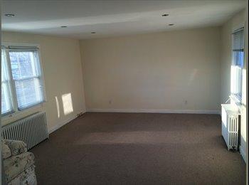 EasyRoommate US - Spacious Master Bedroom in 2 bedroom apartment - Stamford, Stamford Area - $825 pcm