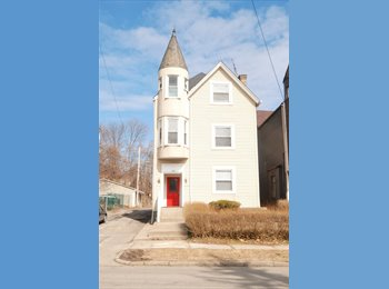 EasyRoommate US - 2 bedrooms available in 3 bedroom house - 2 baths! - North Allegheny, Pittsburgh - $1,300 pcm