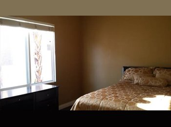 $1000 / 150ft2 - Room in 4000 sq ft home for rent