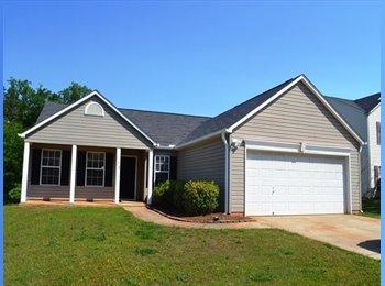 EasyRoommate US - single family home has 3 bedrooms and 2 bathrooms - Greenville, Greenville - $1,500 pcm