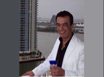 EasyRoommate US - Mauricio - 42 - Miami