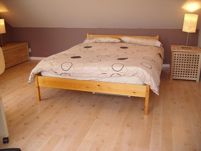 Large loft room available in Milton Keynes - Wolverton - Image 1