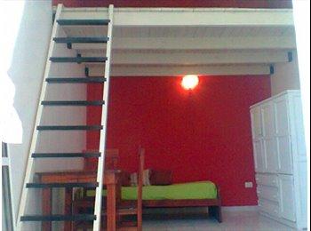 CompartoDepto AR - Habitacion amueblada con entrepiso en PH. - Boca, Capital Federal - AR$ 3.500 por mes