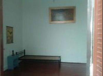 CompartoDepto AR - Habitacion casa de familia - Villa Crespo, Capital Federal - AR$ 3.000 por mes