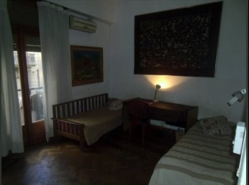 CompartoDepto AR - Habitacion Balvanera. Amplia y luminosa - Balvanera, Capital Federal - AR$ 2.300 por mes