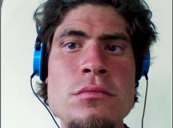 Luis Eduardo  - 28 - Estudiante