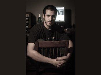 Alejandro - 30 - Profesional