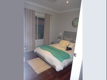1x Room in newly built house to rent