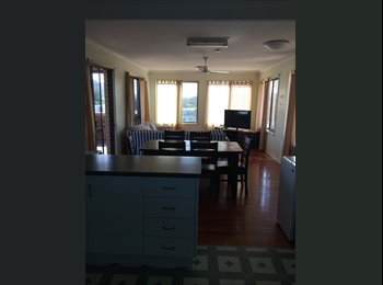 Large room in West Gladstone