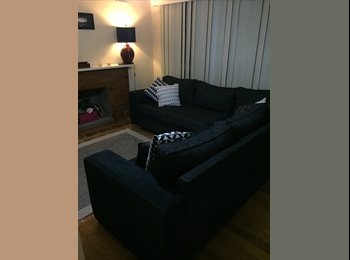EasyRoommate AU - Room for rent - Avondale Heights, Melbourne - $180 pw