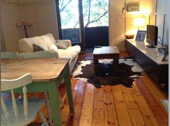 EasyRoommate AU - Beautifully furnished flat St Kilda - St Kilda, Melbourne - $350 pw
