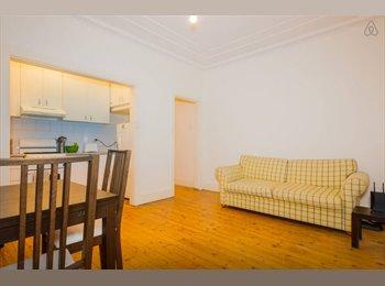 EasyRoommate AU - Large Room in Central Bondi Location - Bondi Beach, Sydney - $300 pw