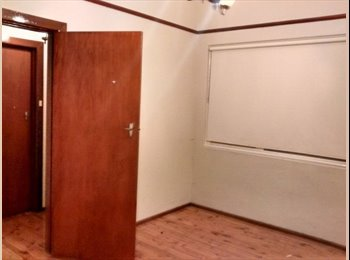 EasyRoommate AU - ROOM AVAILABLE NOW IN ARNCLIFFE - Arncliffe, Sydney - $175 pw