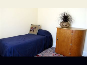 Brooklyn Park Immaculate House Room Available