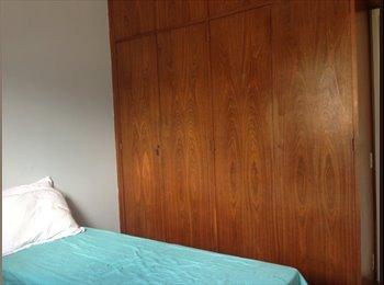 EasyQuarto BR - Excelente quarto! - Laranjeiras, Rio de Janeiro (Capital) - R$ 1.700 Por mês