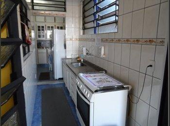 hostels quarto com  banheiro e despesas inclusas