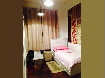 EasyQuarto BR - Aluga-se quarto em Laranjeiras - Laranjeiras, Rio de Janeiro (Capital) - R$ 1.500 Por mês