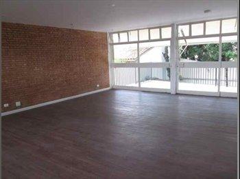 EasyQuarto BR - quartos em casa de alto padrão JD Caxingui - Outros Bairros, São Paulo capital - R$ 2.000 Por mês
