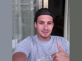 Javier - 22 - Estudante