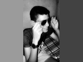 Joab  - 18 - Estudante
