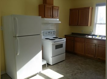 EasyRoommate CA - Country House Rental - Hamilton, South West Ontario - $650 pcm