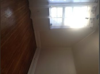 EasyRoommate CA - Room For Rent - Hamilton, South West Ontario - $425 pcm