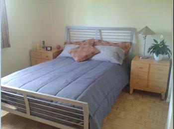 EasyRoommate CA - chambre a Vaudreuil (ouest de l ile) - Beaconsfield, Montréal - $600 pcm